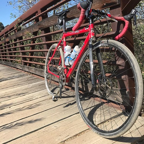 "Dirt and skinny tires. Borrowed bike, to see if a ""do everything bike"" will do everything I want. . . #cycling #cx #bridge #dirt #cyclocross #red #sandiego #summer"