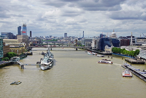 blick von der tower bridge london towerbridgelondon towerbridgei towerbridge view from