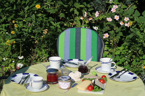 Frühstück im Garten