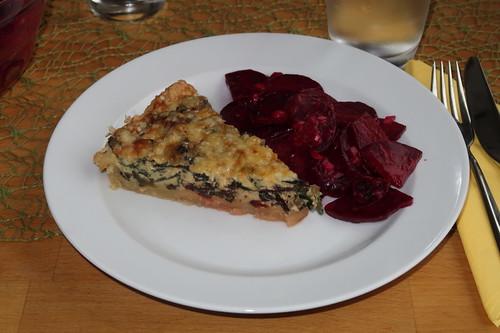 Rote Bete Blätter Quiche mit Rote Bete Salat