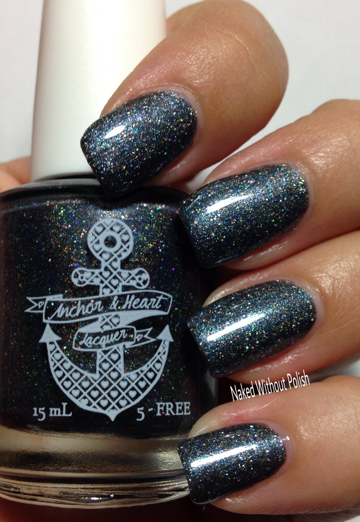 Anchor-and-Heart-Lacquer-Stronger-Than-Yesterday-11