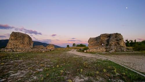 Walls of Peltuinum