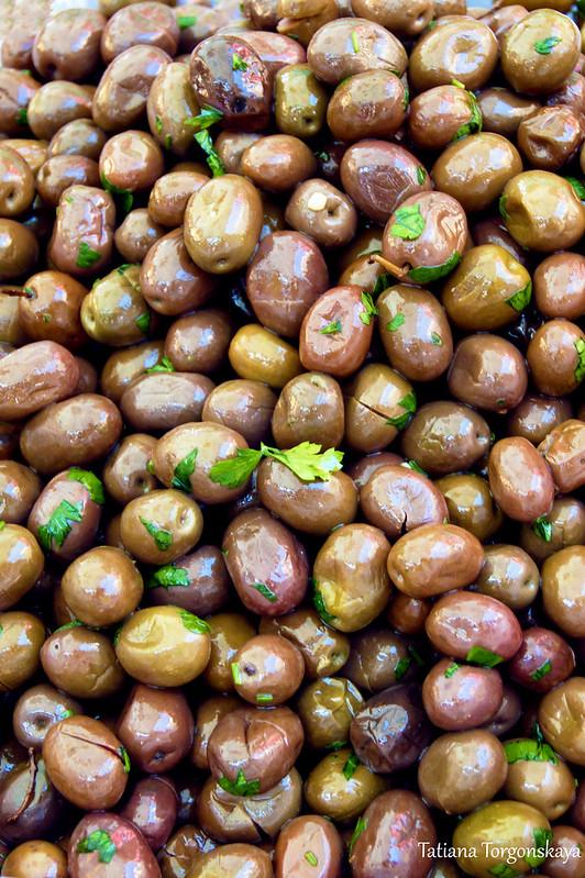 Оливки с петрушкой