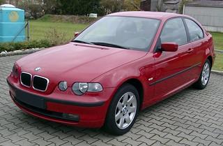 BMW_325i_Compact_2001_R1