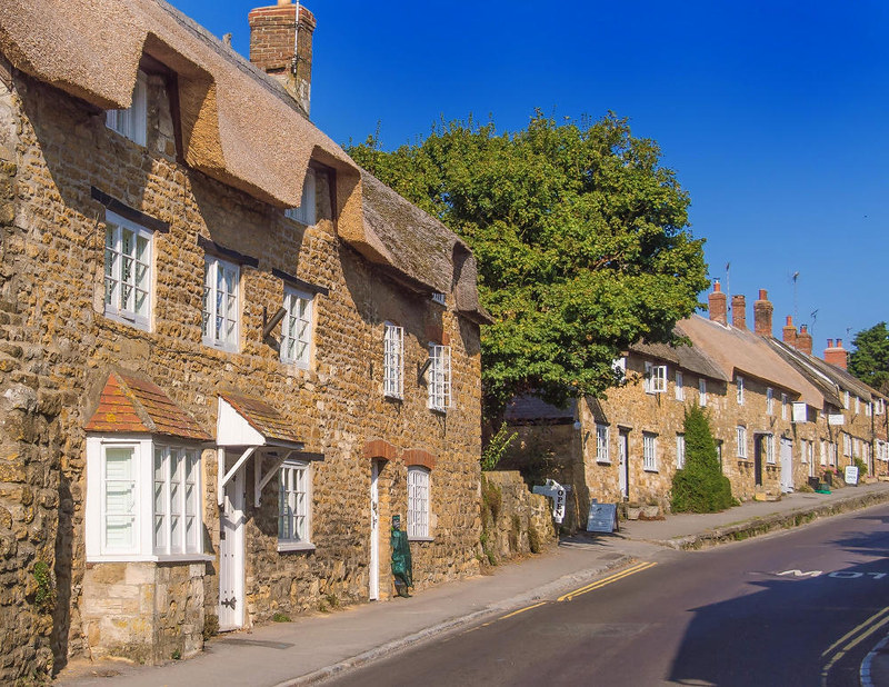 18th century cottages in Rodden Row at Abbotsbury, Dorset. Credit Anguskirk, flickr