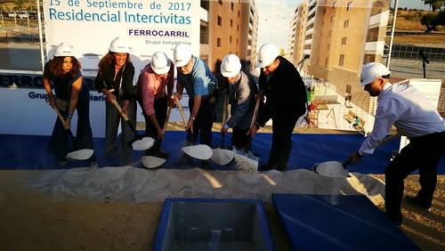 Primera piedra del Residencial Intercívitas en la parcela BPO7 de Entrenúcleos