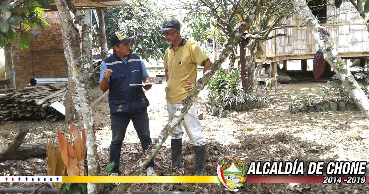 Técnicos del GADM Chone brindan capacitaciones prácticas en Chibunga y Puerto El Mate
