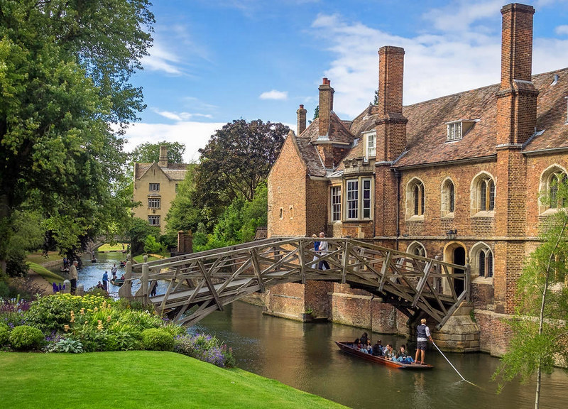 Punting Under Mathematical Bridge, Cambridge. Credit Bob Radlinski, flickr