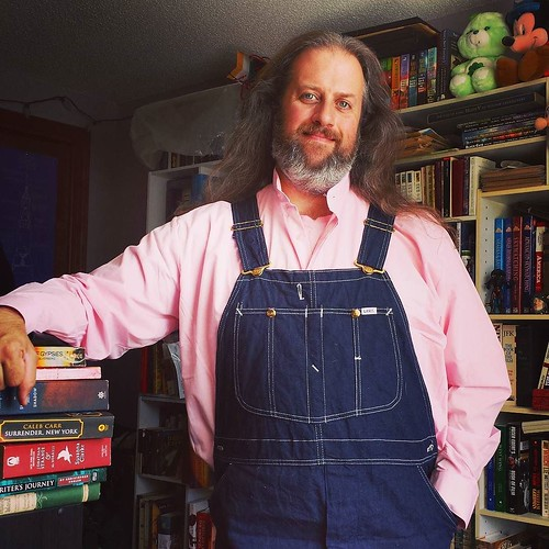 Think Pink! The pinkification of my wardrobe commences! I've been looking for a pink dress shirt and finally scored this banded collar one on eBay. Score! Pink is awesome! 😊 #pink #thinkpink #overalls #vintage #Lee #bluedenim #dungarees #denim #rawd