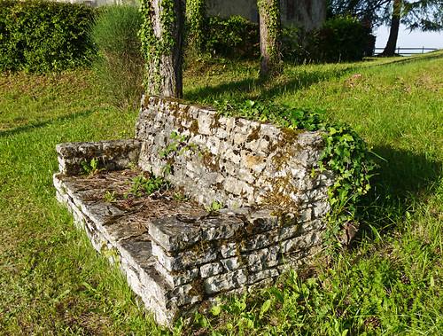 photo - Stone Bench, Hotel Meysset