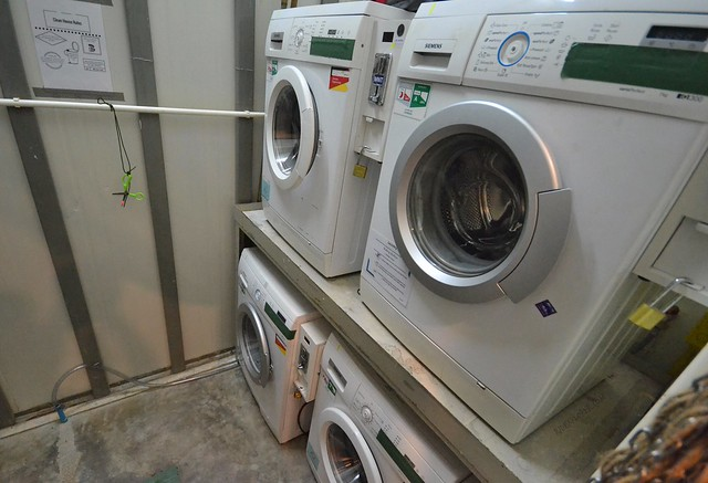 pop-in hostel krabi thailand laundry facility