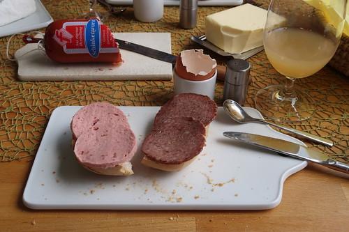 Fleischwurst und Schnittfeste Leberwurst (vom Frecklinghof) auf Brötchen