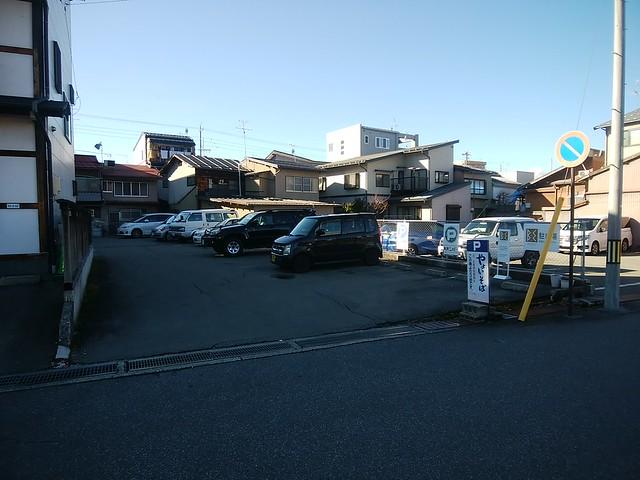 gifu-takayama-yayoisoba-honten-shop-parking-lot-01