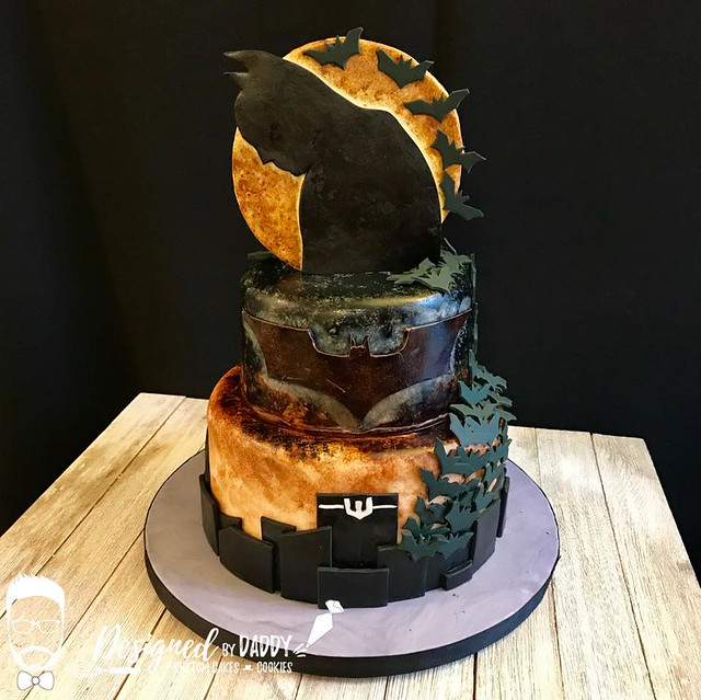 The Dark Knight Rises Cake from Jeremy Davis of Designed by Daddy – Custom Cakes & Cookies