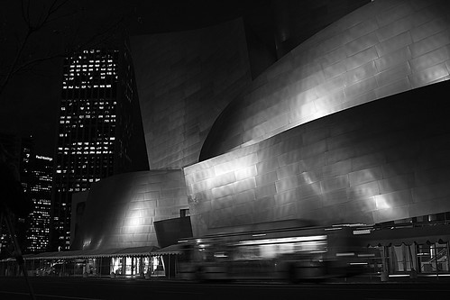 disney concert hall night los angeles losangeles downtown monochrome bw blackwhite canon 40d l skyline skyscraper reflection stainlesssteel street urbanlandscape jasdaco jdc jason