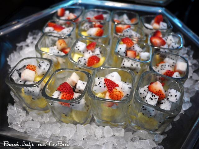 ambassador-hotel-aqua-lounge-buffet (10)