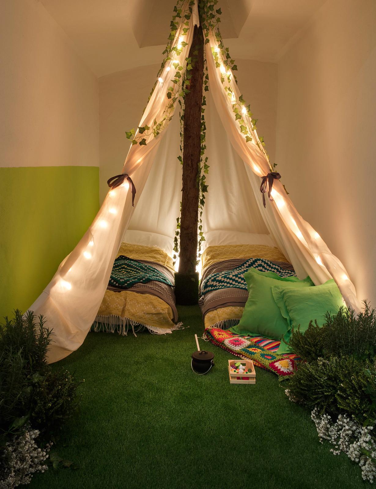 greenery-apartment-installation-airbnb-pantone-design_dezeen_2364_col_9