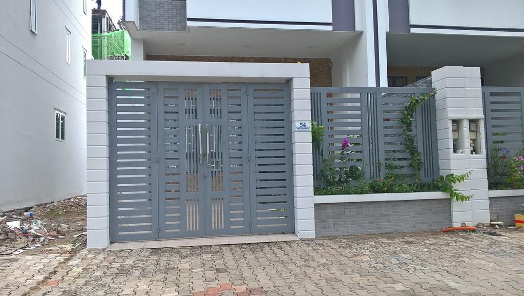 Cửa cổng pano sắt hộp GHC 1333 tại khu dân cư Vạn Phúc - quận Thủ Đức