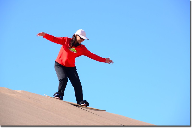 Sledding at Great Sand Dunes  (11)