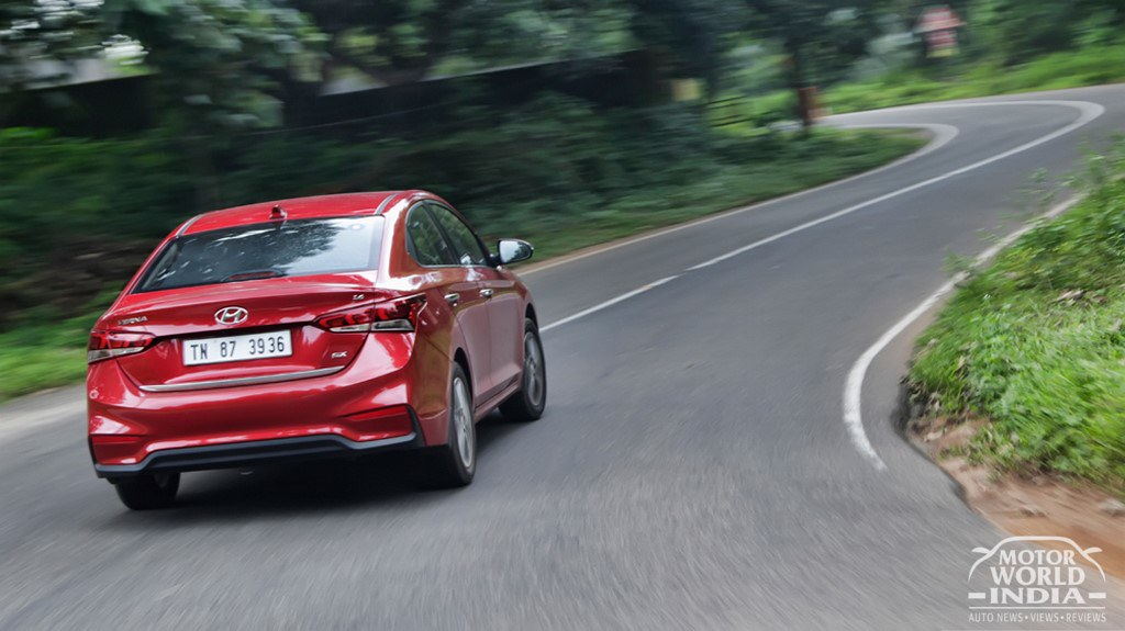 2017-Hyundai-Verna-Exteriors (6)