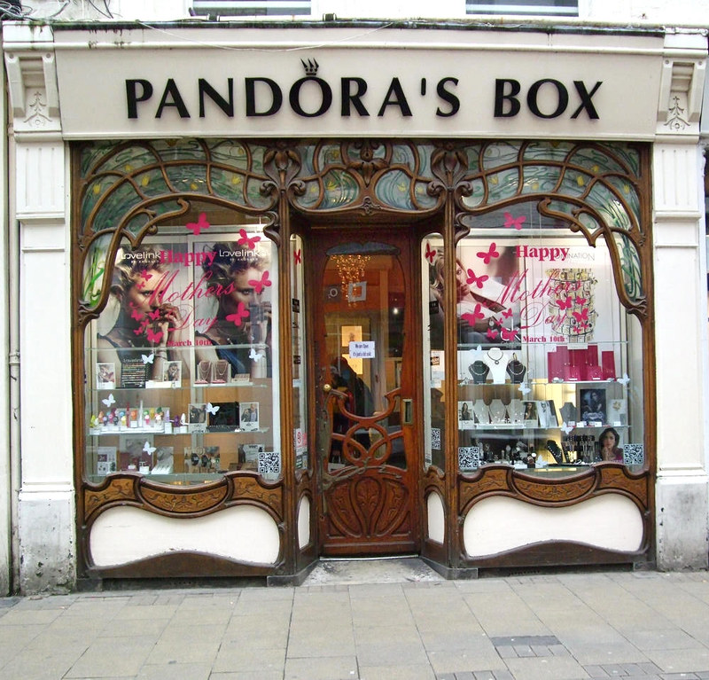 Art Nouveau shop on Green Street, Cambridge. Credit Fæ