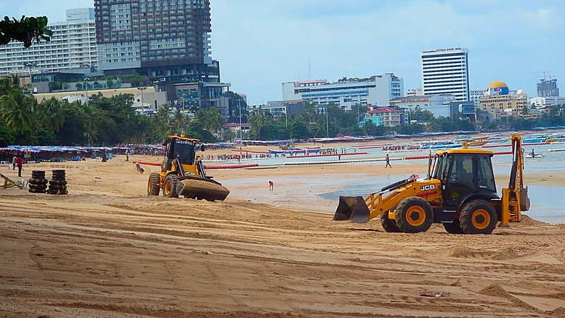 Storms smash Pattaya beach