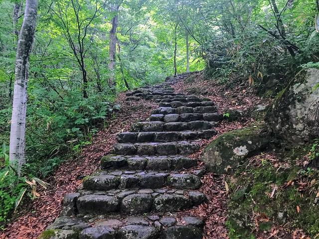銚子ヶ峰 登山道 石段