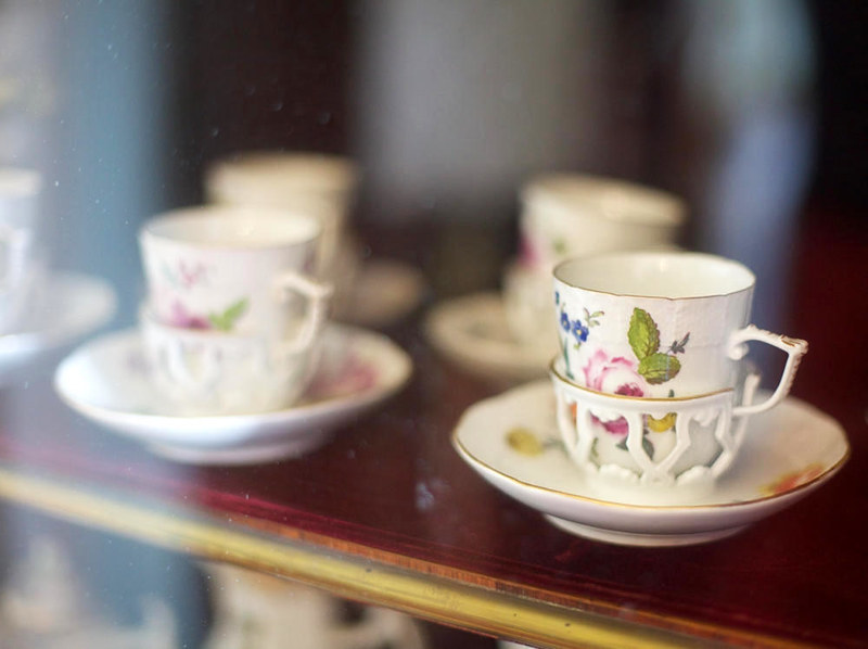Teacups in carriage saucers. Credit Sebastiaan ter Burg