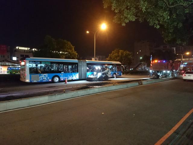 台灣大道公車專用道:路平專案-車道封閉改道