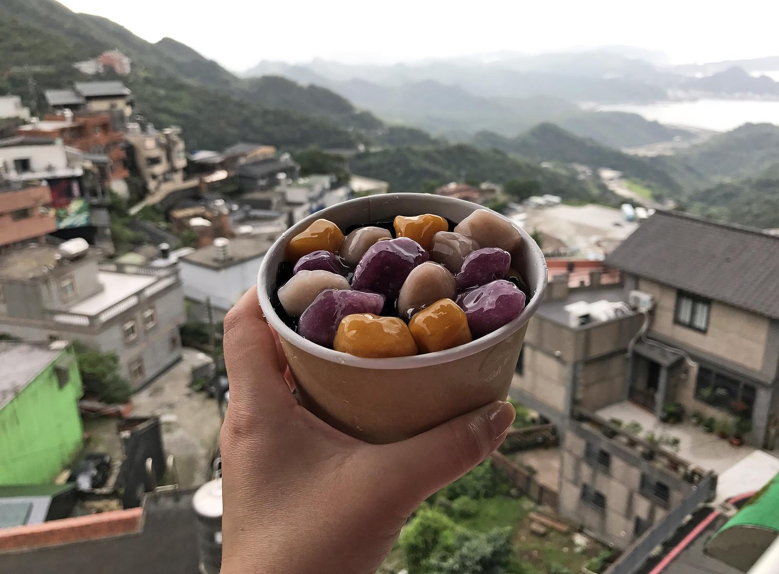 Sweet taro balls