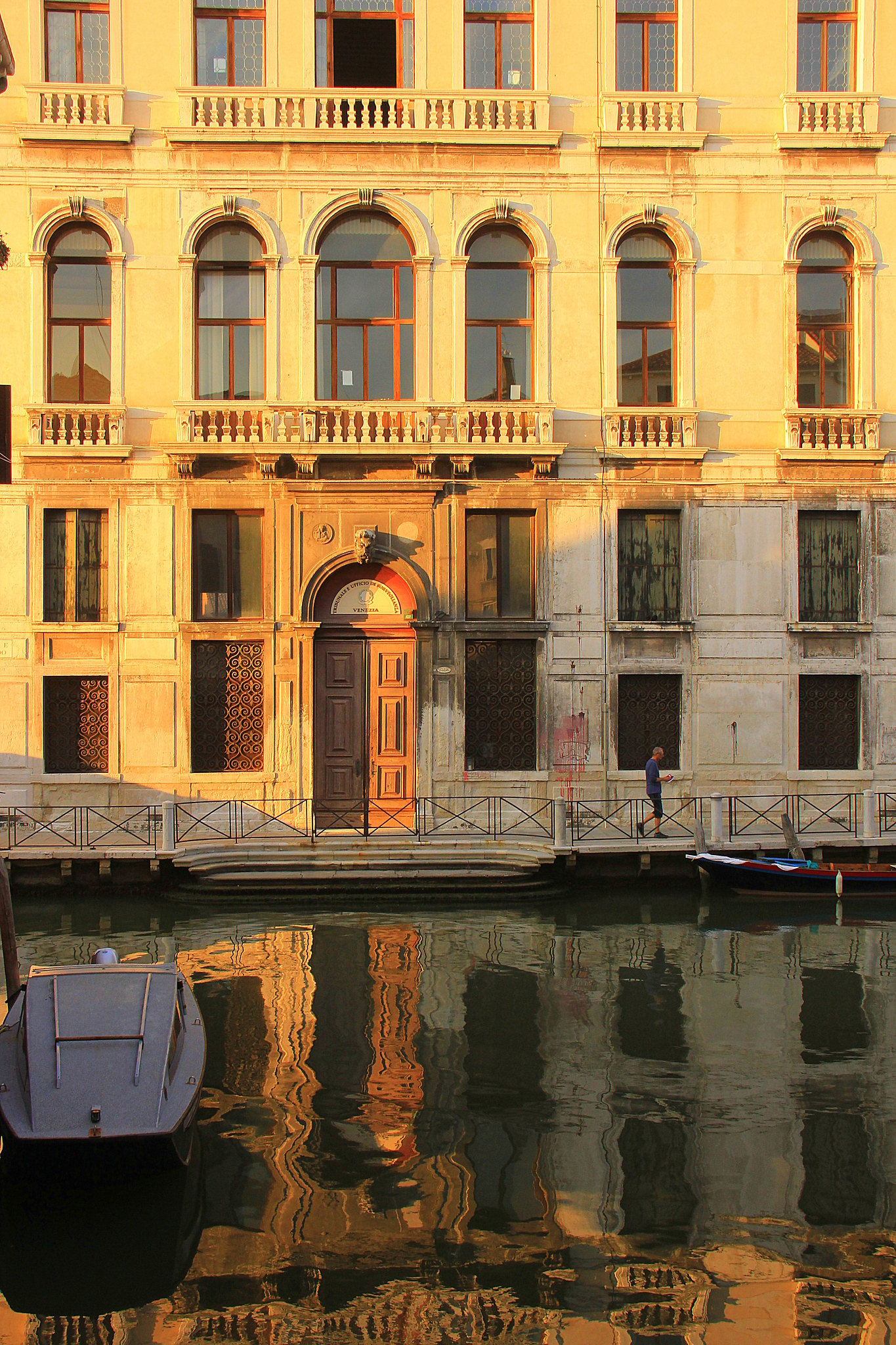 Gorgeous reflections of mansions in Venice