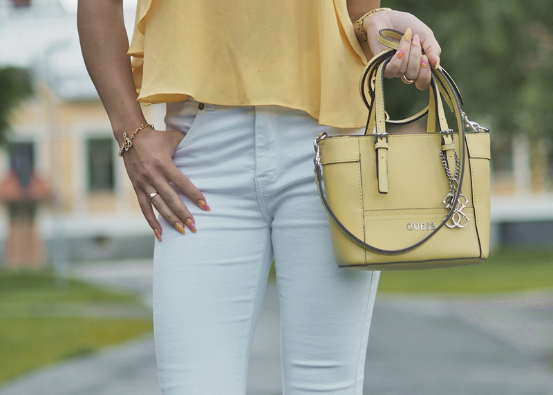 guess-bag-details-yellow-guesslaukku-keltainen