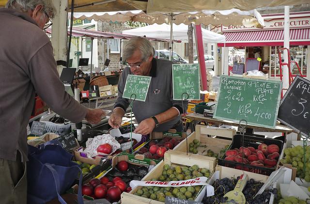 Briouze Monday market