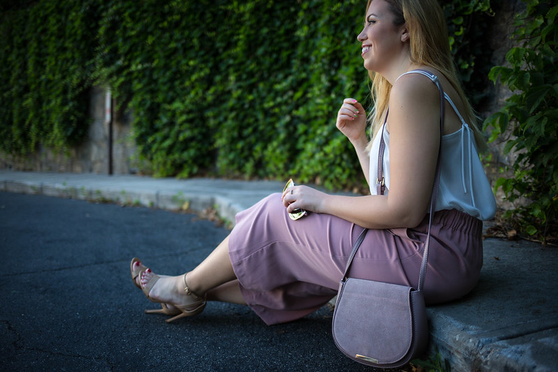 How to Wear Culottes When You're Curvy | Neutral Pink Culottes | White Tank Top Outfit
