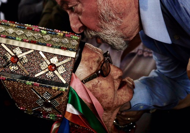 Em uma semana de viagem, caravana de Lula é marcada por encontros emocionantes