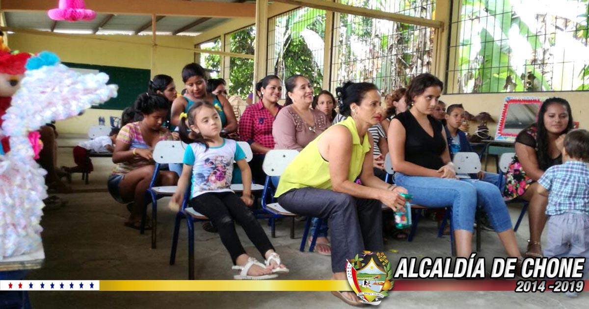 Alcaldía de Chone clausuró taller de reciclaje