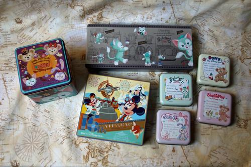 Tokyo Disney Sea tins