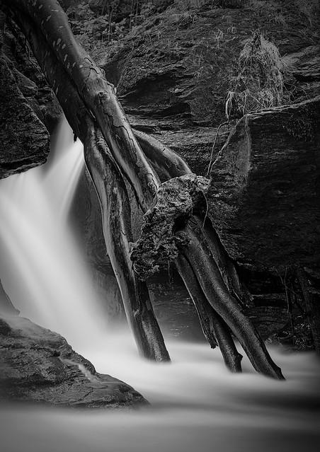 Edinample Falls detail