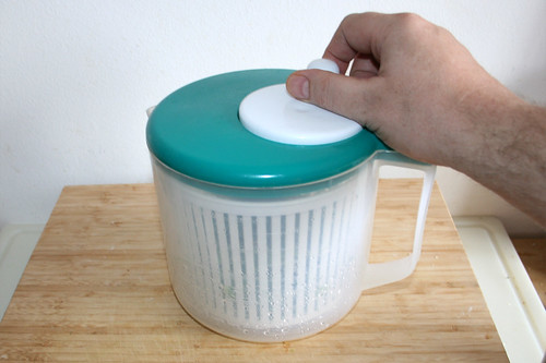 52 - Ruccola waschen & trocken schleudern / Wash & centrifuge dry rucola