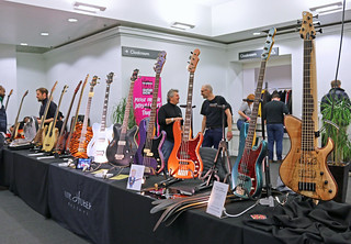 European Guitar Builders (3)