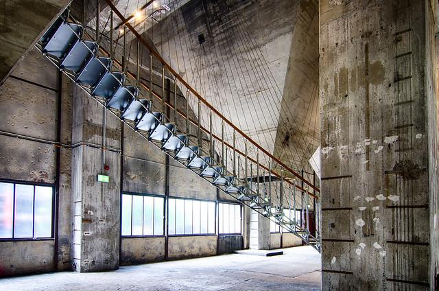 Geraden und Schrägen - geometrische Linien - Kokerei Zollverein ... HDR