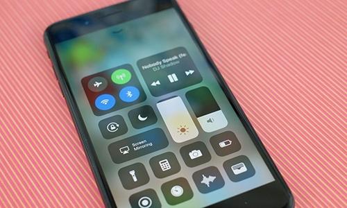 Micro của iPhone 7 và 7 Plus bị vô hiệu hóa khi gọi điện