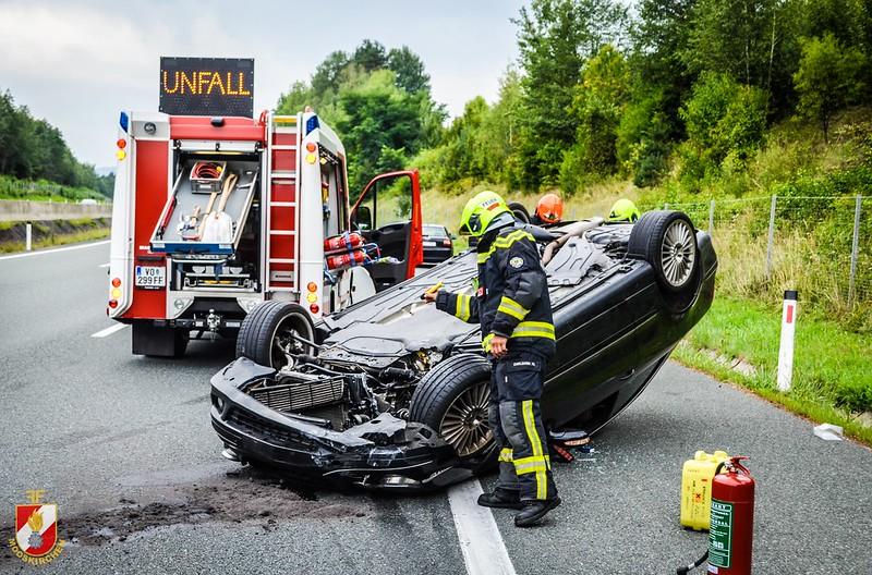 """Schwerer """"filmreifer"""" Verkehrsunfall – Feuerwehr Mooskirchen"""