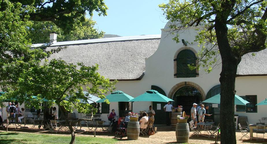 Wijn proeven in Kaapstad? Bezoek Groot Constantia, Jonkershuis | Mooistestedentrips.nl
