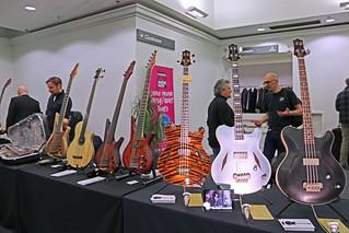 European Guitar Builders (1)