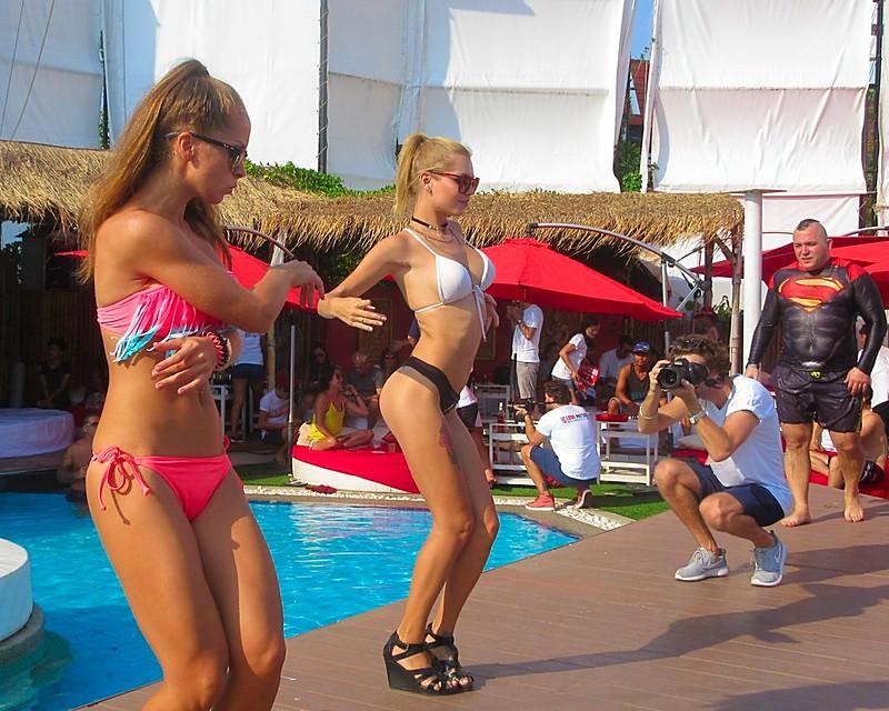 Russian bikini babes Pattaya