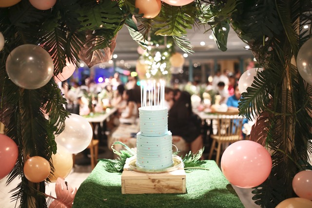 cake table (1)