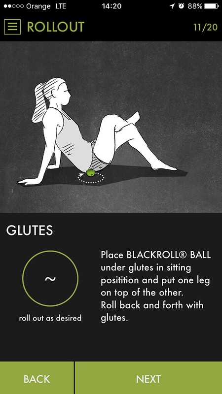 GLUTES rolling with BLACKROLL® BALL - 12cm