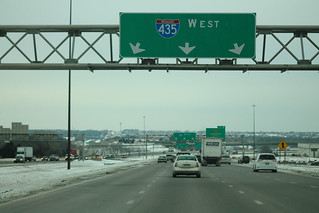 Int435wRoad-OverheadSign-MM1