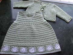 Look what a simpler and more delicate dress model I loved this crochet pattern. very beautiful 😚😊😇